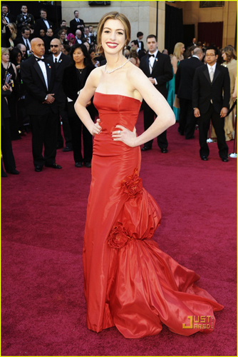 Anne Hathaway Red Gown Valentino