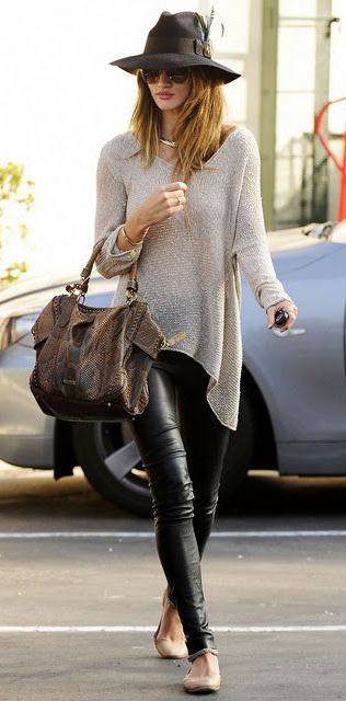 Best Tunic Tops To Wear With Leggings: Rosie Huntington-Whiteley