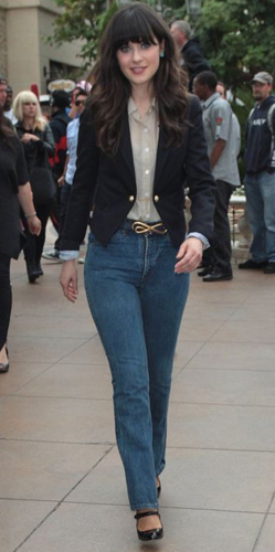 Mom Jeans for a Pear Shaped Body (Zooey Deschanel)