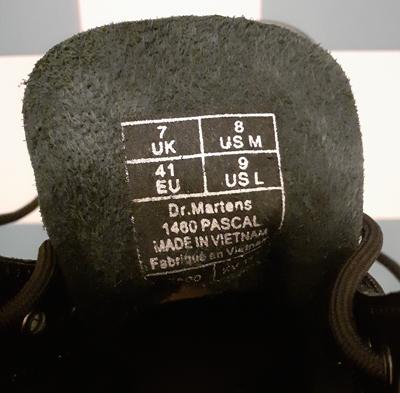 Label 1460 Pascal Dr. Martens Boots